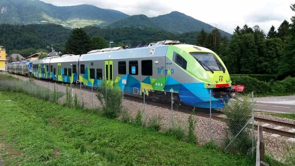Linea ferroviaria Trento - Malè - Mezzana: treni ...