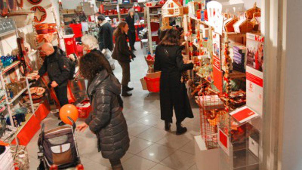 Trento negozi aperti anche a trento domeniche con for Negozi cucine trento